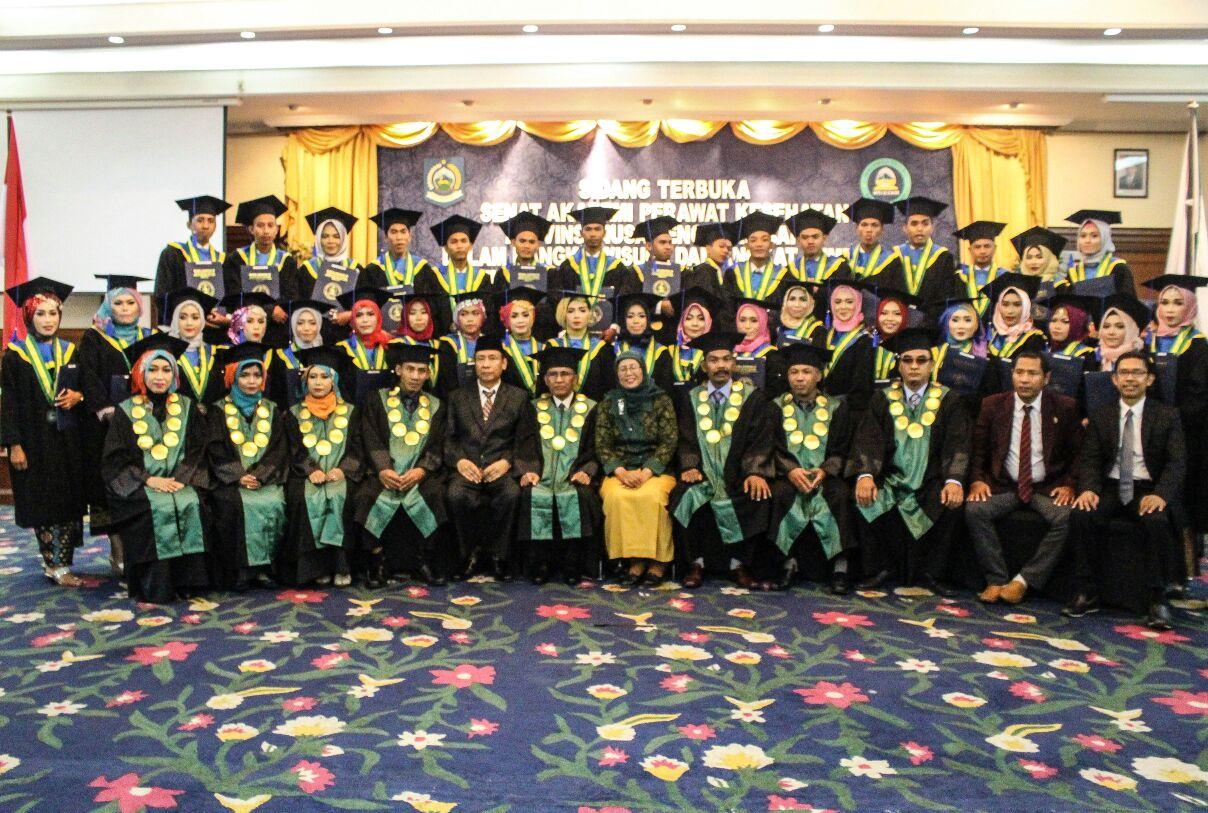 Wisuda Akademi Perawat Provinsi NTB Angkatan XII